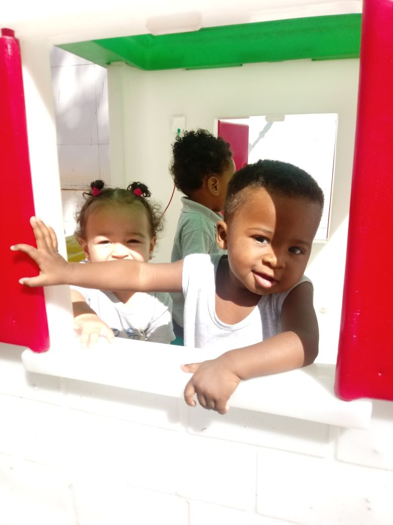 Brincadeiras ao ar livre na Casa de Leylá